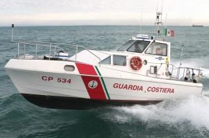 """La Guardia Costiera di Reggio Calabria soccorre un passeggero a bordo della nave """"Costa Voyager""""."""