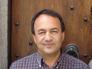 Sindaco Riace indagato per concussione. Domenico Lucano noto per politica accoglienza in suo paese