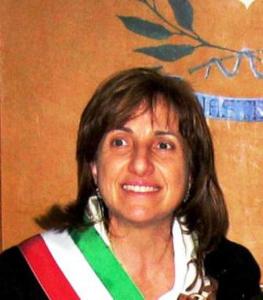 La dedica alle donne di Maria Carmela Lanzetta, il sindaco esempio di coraggio civile