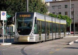 Agevolazione sul tram per studenti, dottorandi e borsisti dopo il rinnovo della convenzione ATM e Università.