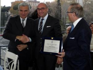 ASP Catanzaro: Il Ministro della Salute Balduzzi premia il Direttore Generale Mancuso.