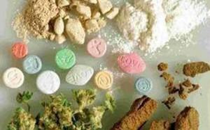Non è reato il consumo di gruppo di sostanze stupefacenti. Lo ha stabilito con una sensazionale soluzione le Sezioni unite penali. La legge Fini Giovanardi ha fallito.