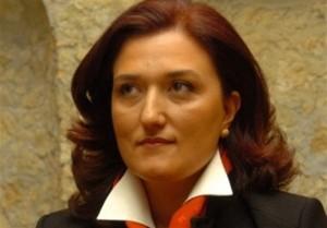 Calabria. Via libera della Commissione Europea per il bando oneri di servizio per l'aeroporto di Crotone