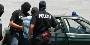 Catania. Polizia arresta responsabile rapina. Si cerca il complice.