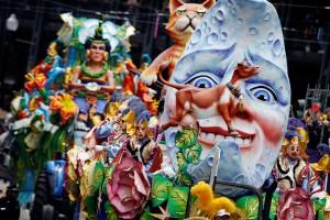 Messina. Carnevale 2013: da oggi limitazioni viarie a Larderia. Domenica sfilata di carri in città.