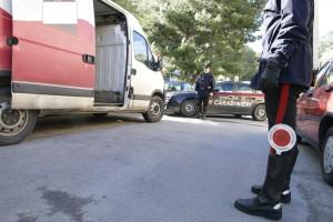 Carabinieri di Palermo arrestano due pregiudicati. Avevano sequestrato e rapinato un autostrasportatore.