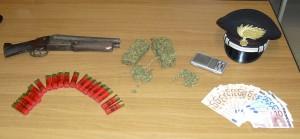 Operazione dei Carabinieri di Reggio Calabria nel fine settimana: sequestrati 300 grammi di sostanza stupefacente tipo marijuana, rinvenuto un fucile con cassa e canna mozze, numerose munizioni calibro 16, 1000 euro in contanti. 2 gli arresti operati.