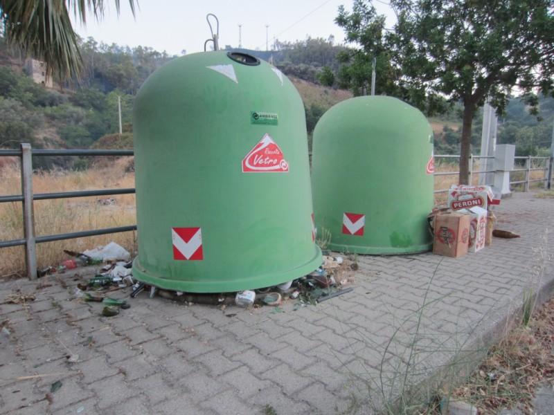foto rifiuti differenziata