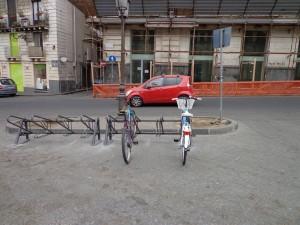 Catania. Mobilità: posizionate nuove rastrelliere per le bici