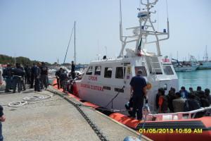 Reggio Calabria. Guardia Costiera soccorre imbarcazione con a bordo 238 migranti.
