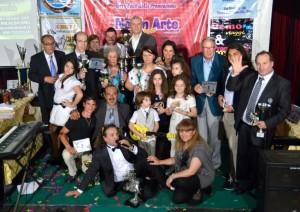 Gruppo di partecipanti con Nuccio Scibilia