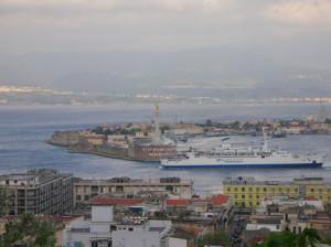 Messina_porto_con traghetto