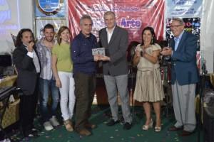 Rodrigo premia fotografo Mimmo D'Arrigo