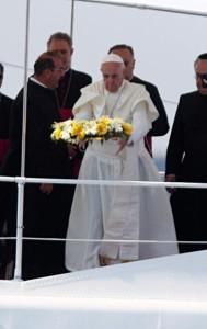 Papa a Lampedusa