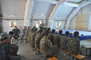 2. Militari afghani durante una lezione sulla counter IED