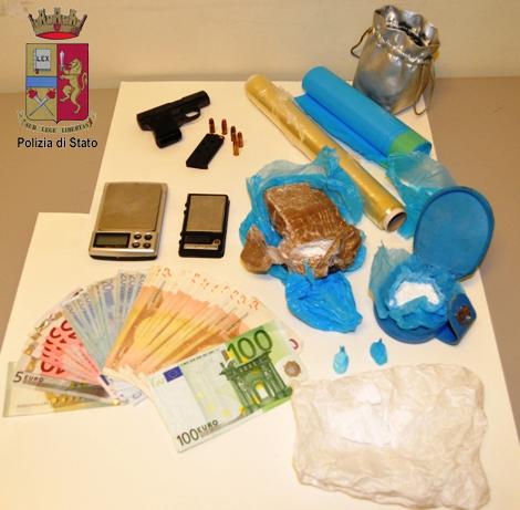 Messina. La Polizia arresta un uomo per droga. Sequestrati cocaina, marijuana ed una pistola