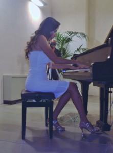Natalie Andaloro al pianoforte