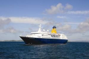 Nuovi arrivi di navi da crociera nel Porto di Crotone.
