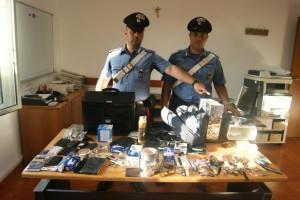 Palermo: sorpresi a rubare in un centro commerciale. Carabinieri arrestano tre stranieri.