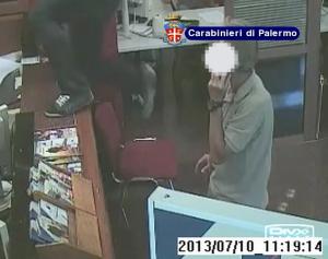 Palermo. Carabinieri arrestano 29enne per quattro rapine in banca.