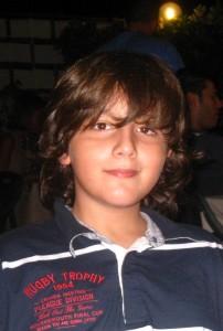 """Il """"Piccolo Tenore"""" messinese Antonio Augliera in finale ad """"Io Canto"""" domenica 10 novembre."""