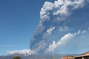 etna eruzione 2013