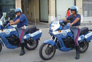 polizia moto volanti