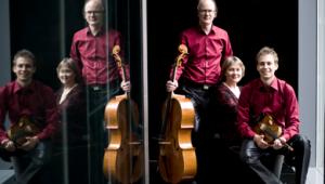 Il 4° Concerto dell'Accademia Filarmonica prevede questa sera, al Teatro V. Emanuele, il Wiener Mozart Trio