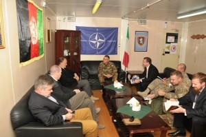 1. Il generale Michele Pellegrino incontra l'ambasciatore USA in Afghanistan