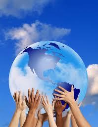 il mondo sostenuto dalle mani