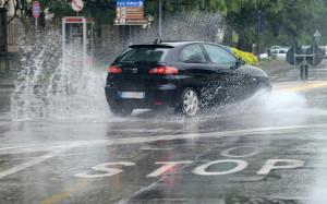 Maltempo: allerta per temporali e venti forti al centro-sud