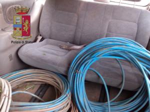 600 chili d'oro rosso trafugati lungo la A20. Arrestati due cittadini romeni. Sorpresi in flagranza con un connazionale minorenne