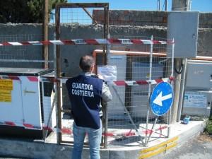 Reggio Calabria. A Lazzaro posta sotto sequestro un'opera posizionata sul lungomare.