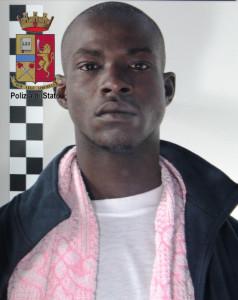 Messina. Sbarco dei 365 migranti del 9 aprile. La Polizia procede al fermo di un presunto scafista