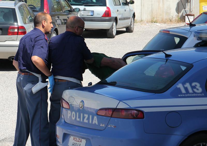 polizia-arresto-della-volante