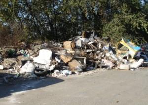 Montepaone (Cz): sequestrata discarica abusiva su area comunale. Denunciato il Sindaco pro tempore.
