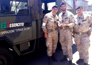 Esemplare rapace soccorso dai militari