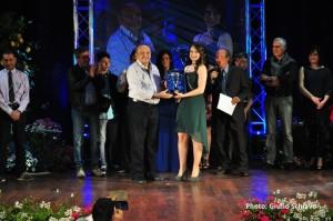 Il dott. Monastra premia Federica Puliafito