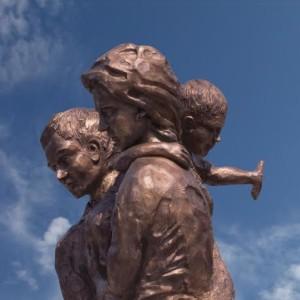 monumento agli emigranti agnone città