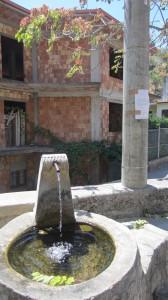 Fontana Rione Baracche guardavalle