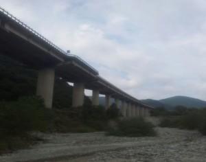Mammola (Rc): donna 41enne tenta il suicidio, minacciando di gettarsi da un viadotto