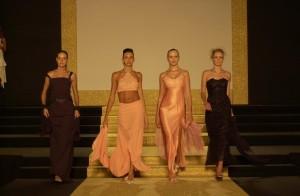 sfilata alta moda femminile roccella jonica