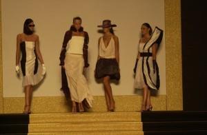 sfilata moda femminile roccella jonica