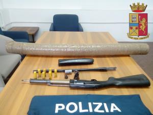 La Polizia di Stato arresta un 55enne di Taurianova (Rc) per detenzione abusiva di arma clandestina e relativo munizionamento.