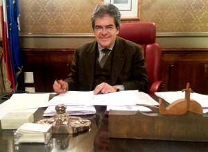 Catania. Dipendente comunale indagato per peculato, il fermo intervento del sindaco.