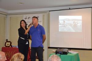 La presentatrice Silvana Paratore, con l'ideatore dello spettacolo Andrea La Fauci