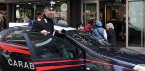 carabinieri negozio