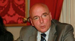 Il presidente della Regione Calabria, Mario Oliverio, risponde alle domande del Direttore dell'Unità