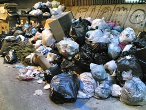 Monasterace (Rc). Due denunce per gestione di rifiuti non autorizzata.