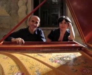 """Messina. Basilio Timpanaro e Rossella Policardo ne """"Le sonate per clavicembalo a quattro mani di W.A. Mozart"""" giovedì 19 alla Sala Laudamo."""